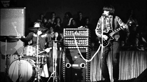 CREEDENCE CLEARWATER REVIVAL LIVE